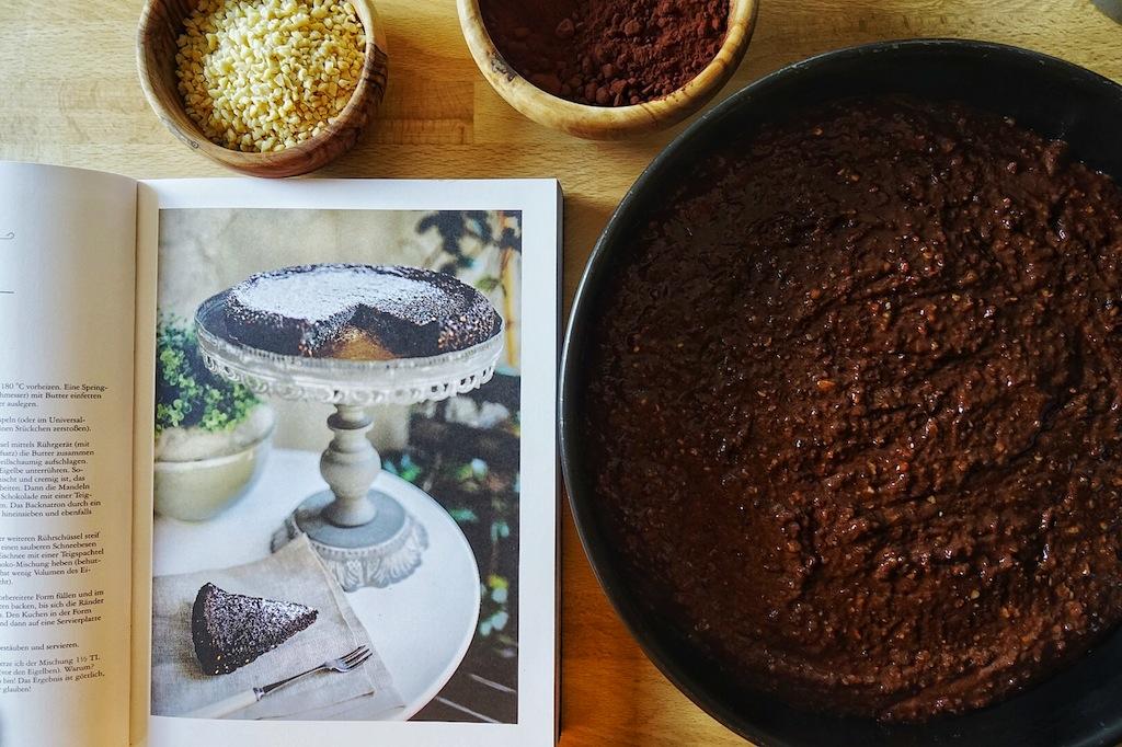 Die Rezepte aus Melissas Buch erzählen von ihrer Heimat Italien, ob Tiramisù, Tante Roses Apfelkuchen oder der Nektarinen-Amaretto-Kuchen