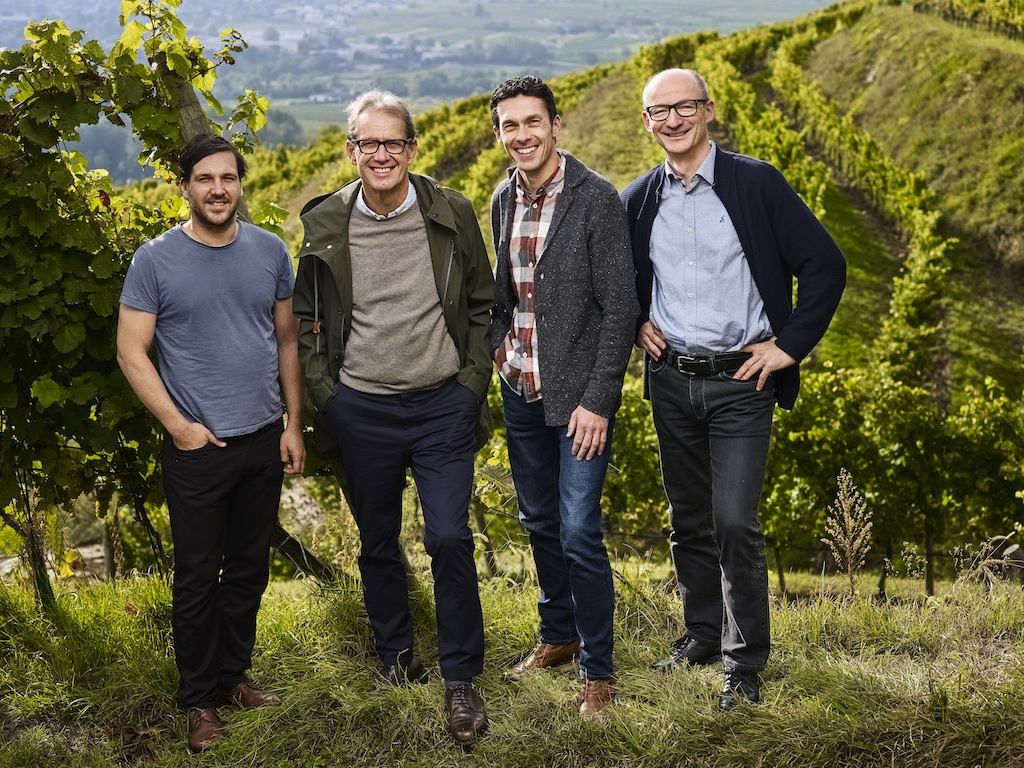 Vlnr.: Vincent Bründlmayer, Willi Bründlmayer, Andreas Wickhoff, Thomas Klinger; Die Köpfe des Weinguts Bründlmayer in Langenlois, Niederösterreich