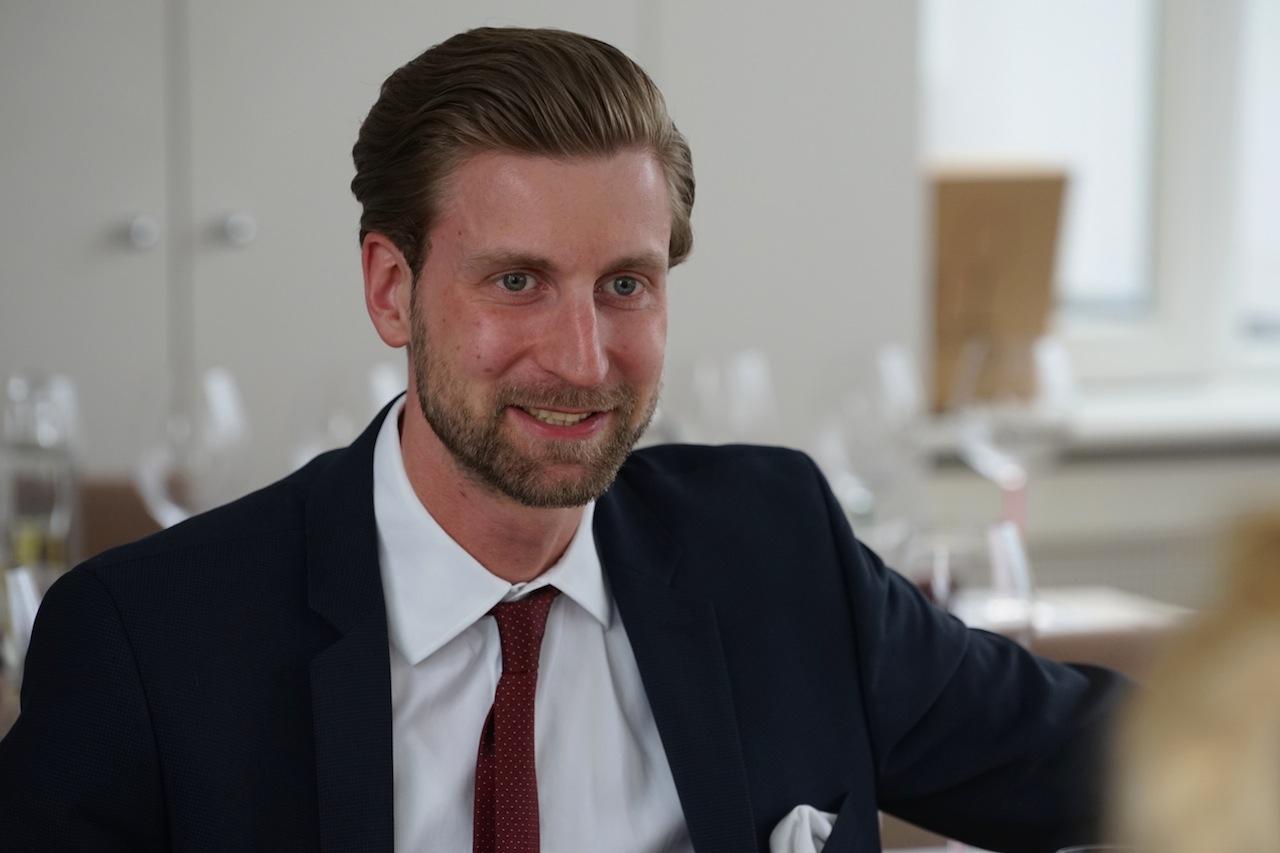 Der zertifizierte Wassersommelier Andreas Glass ist der kompetente ansprechpartner für alle Fragen rund um das Premiumwasser