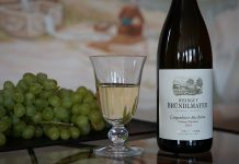 Mit dem Geschmack nach gelber Frucht, Marille und Pfirsich bezaubert der Langenloiser Alte Reben grüner Veltliner 2016