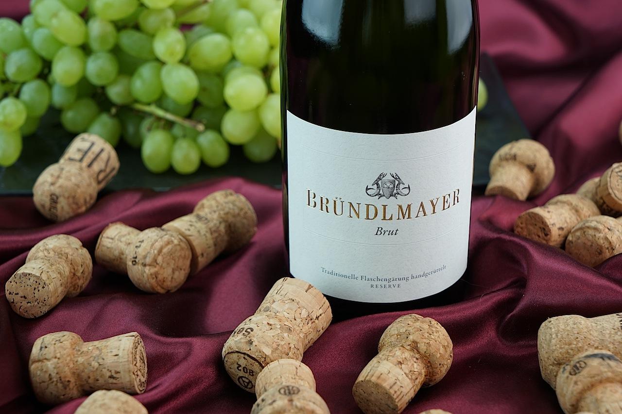 """Willi Bründlmayer wollte seiner Frau Edwige den Umzug von Paris nach Langenlois """"schmackhaft"""" machen und erschuf einen fabelhaften Winzersekt in traditioneller Flaschengärung"""