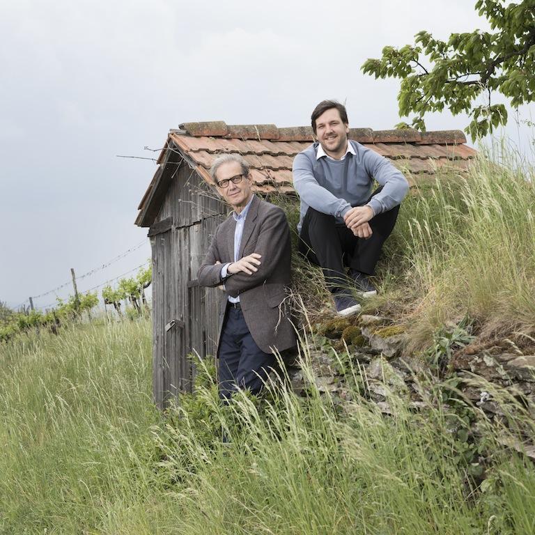 Inzwischen unterstützt Sohn Vincent (re.) Willi Bründlmayer (li.) bei den vielfältigen Aufgaben