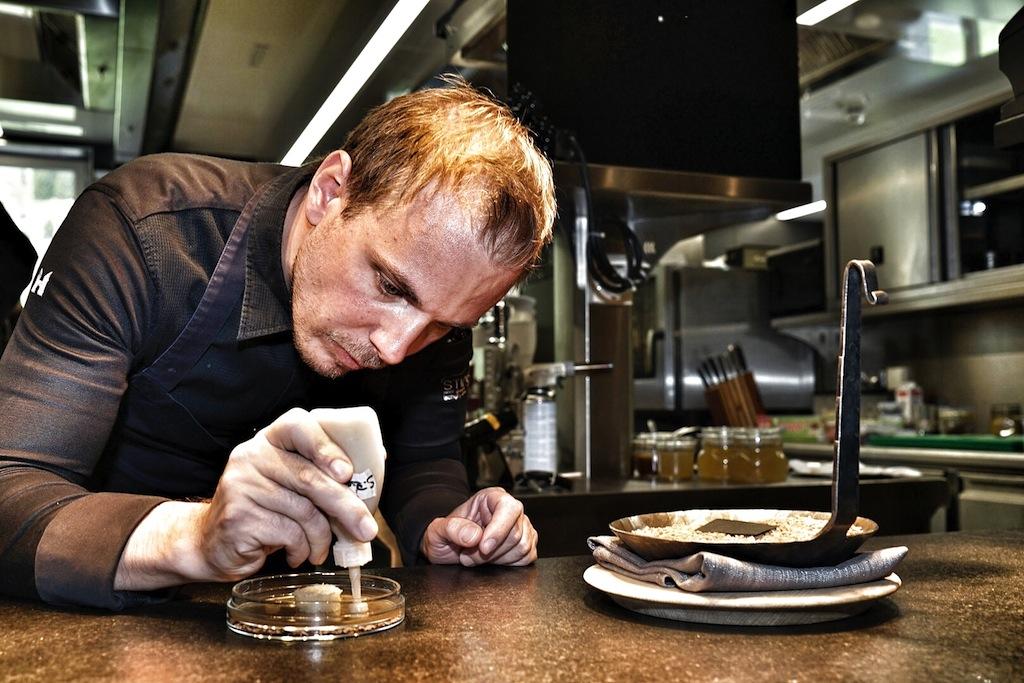 Der Gourmet soll die Handschrift von Chefkoch Gunther Döberl erkennen. Authentisch und nicht alltäglich kann sein Küchenstil beschrieben werden
