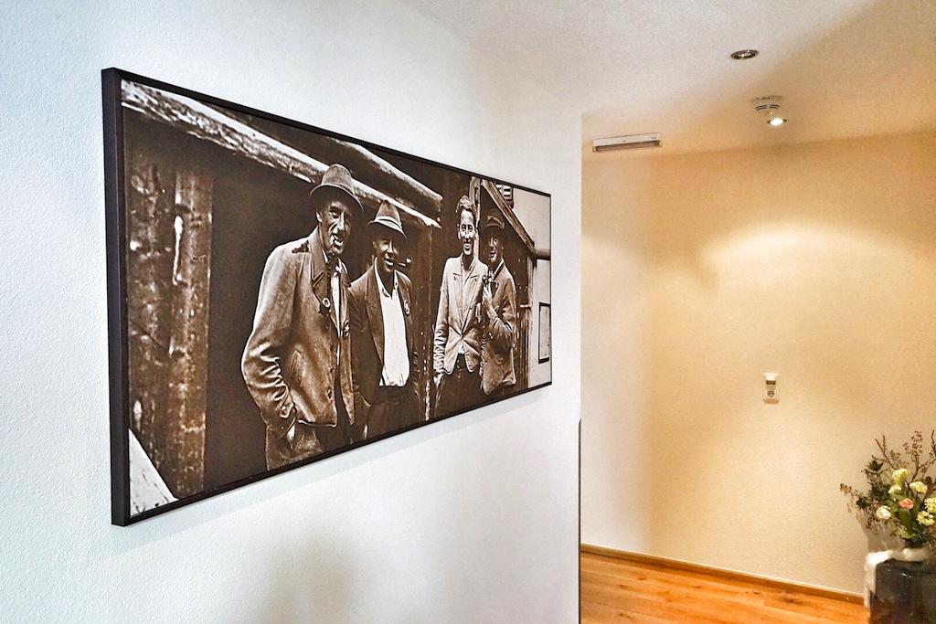 Die imposanten Fotografien lassen einen Blick in die Geschichte der Familie Eiterer sowie in das frühere Leben im Tal zu