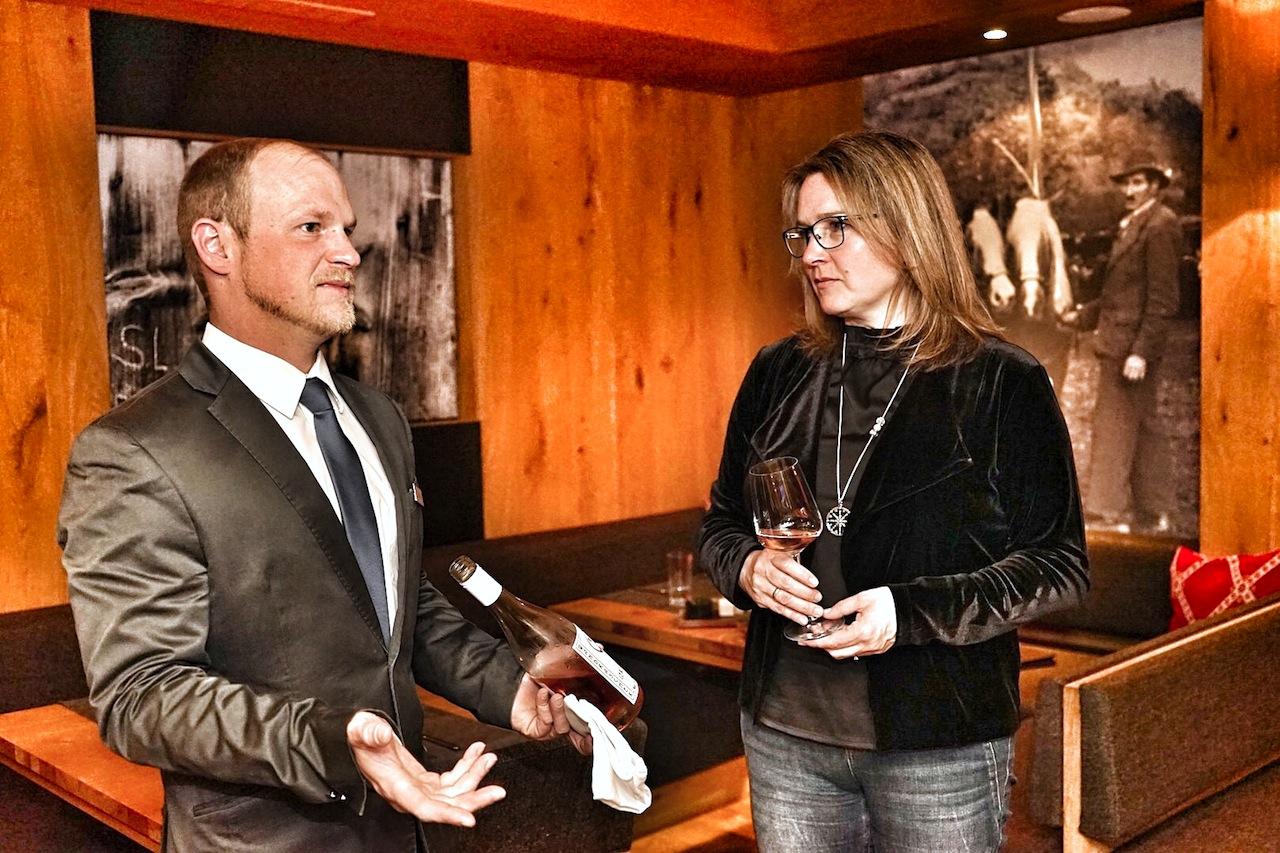 F&B Manager und Sommelier Stefan Reichstam (li.) ist stets auf der Suche nach Besonderheiten aus seiner Heimat Österreich