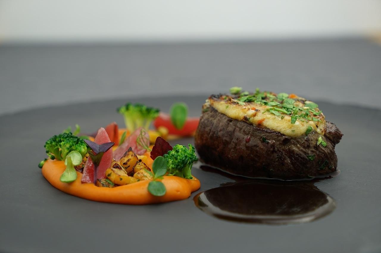 Die kulinarischen Kunstwerke von Haubenkoch Andreas Spitzer sollten bei einem Besuch in Ischgl unbedingt probiert werden