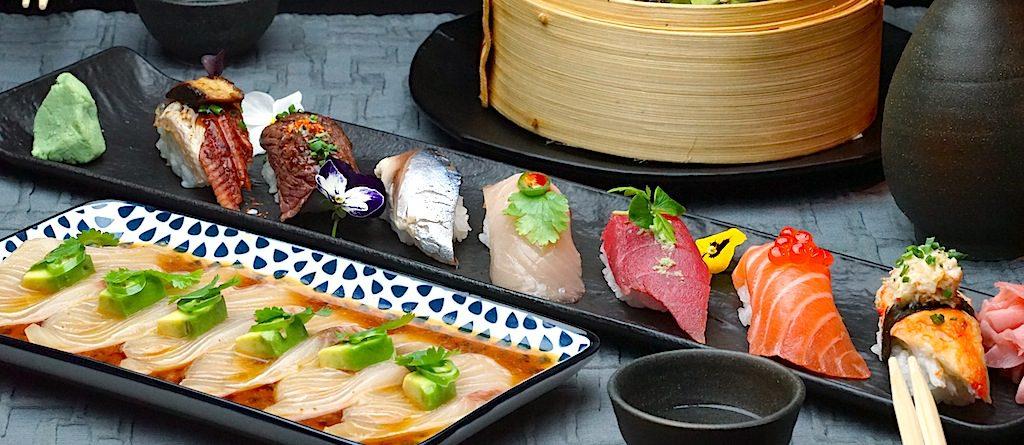 Öle und Gewürze werden in der japanischen Küche nur in geringem Umfang eingesetzt, so haben japanische Saucen, allem voran, Sojasaucen, ihren vielseitigen Auftritt