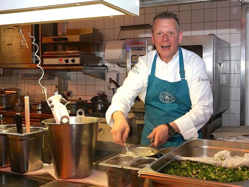 """... Steffen Duckhorn hatten die Idee zu dieser kleineren Küchenparty """"Die Küchenheiligen"""""""