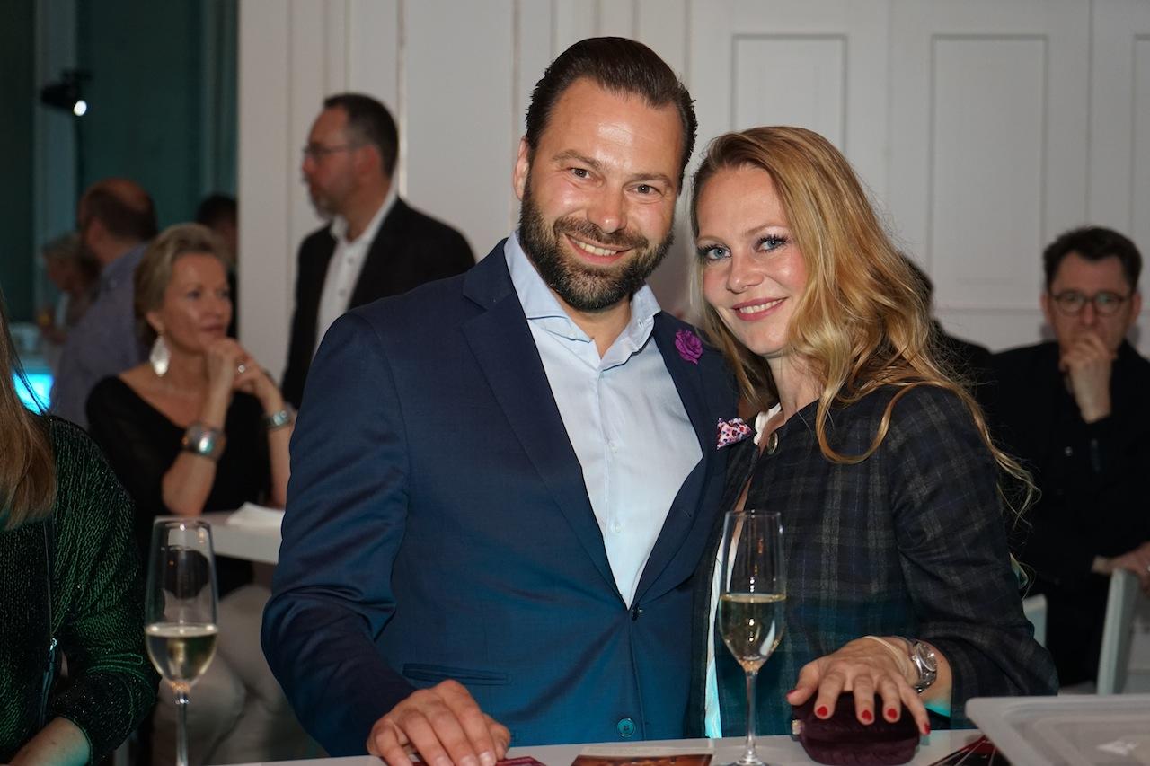 ... dieeser Meinung waren auch viele Gäste, wie Thomas Peruzzo; hier mit mit seiner Ehefrau. Thomas Peruzzo war bis Ende März 2018 Direktor des Grand Hotels Heiligendamm