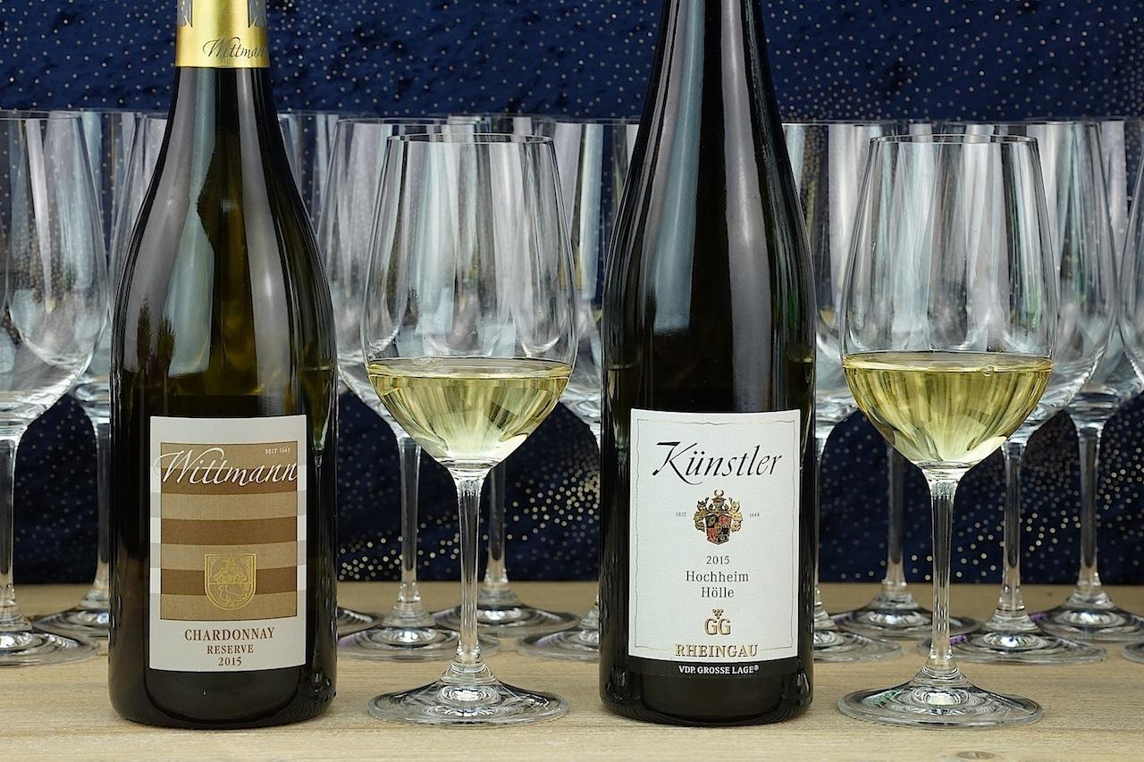 Ein Chardonnay des Weinguts Wittmann sowie ein guter Tropfen des Weinguts Künstler harmonierten ausnahmslos gut zum Carabinero