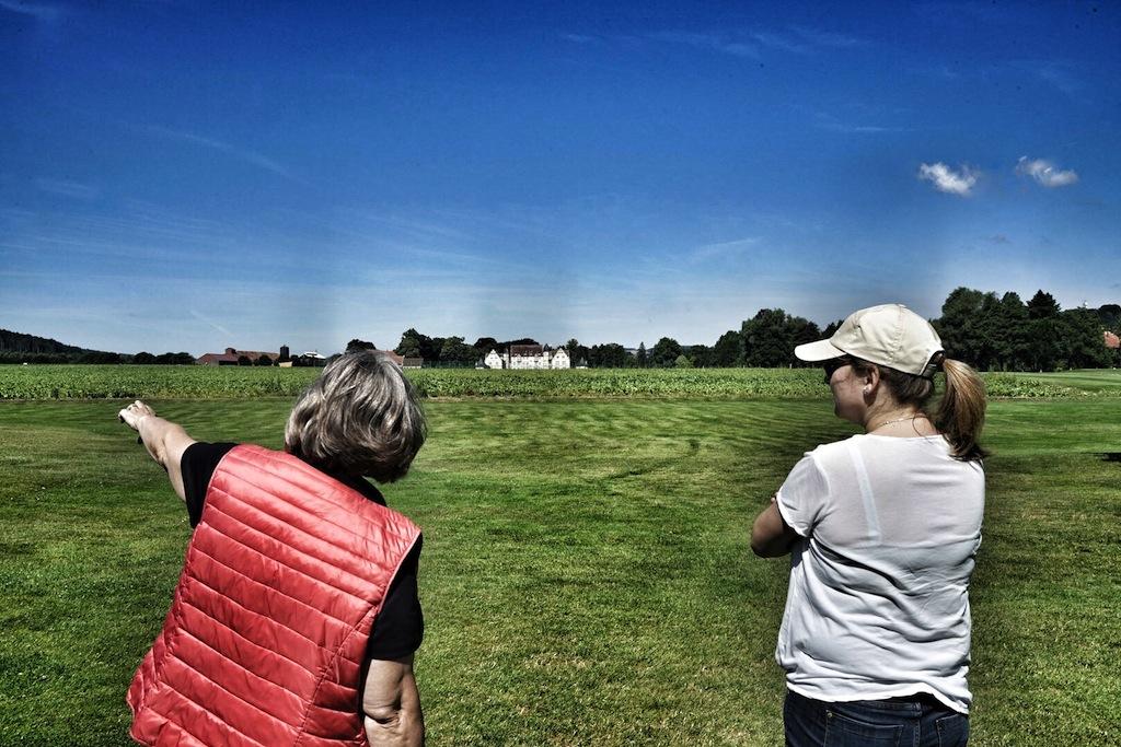 ... und bringt ihr die Schönhiet der beiden Golfplätze näher