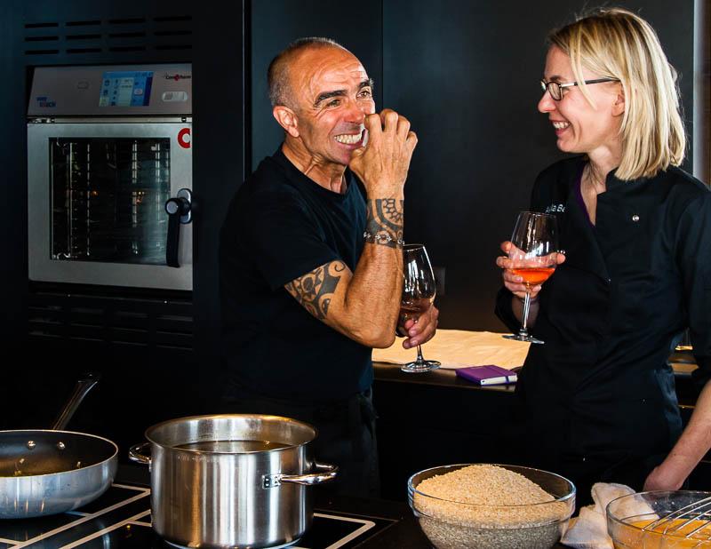 Kochen mit Biss: Giulio weiß wovon er redet / © FrontRowSociety.net, Foto: Georg Berg
