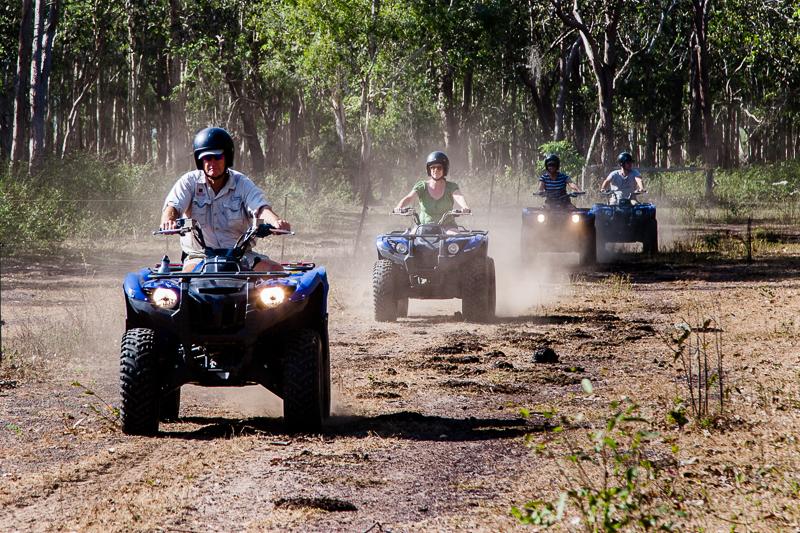 Die Büffelfarm, auf deren Gelände sich die Bamurru Plains Lodge befindet, erstreckt sich über 300 Quadratkilometer und lässt sich gut mit Quads erfahren / © FrontRowSociety.net, Foto: Georg Berg
