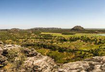 Panoramablick auf Gunbalanya, eine Aboriginal-Siedlung im australischen Arnhemland / © FrontRowSociety.net, Foto Georg Berg