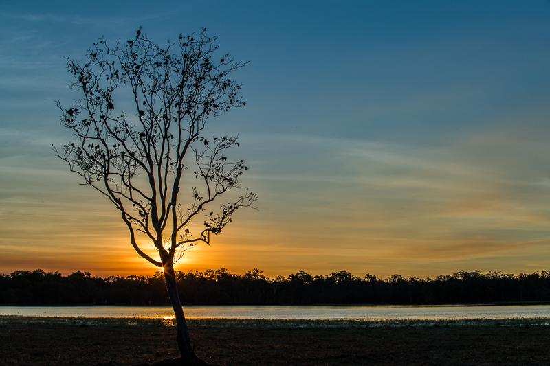 Jede Minute eine neue Farbkomposition beim Sonnenuntergang am Mary River / © FrontRowSociety.net, Foto: Georg Berg