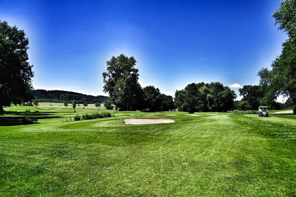 """Der Golfplatz """"Lucia von Reden"""" ist - im Gegensatz zu seinem großen Nachbarn, dem """"Baron von Münchhausen"""", sehr flach gelegen"""