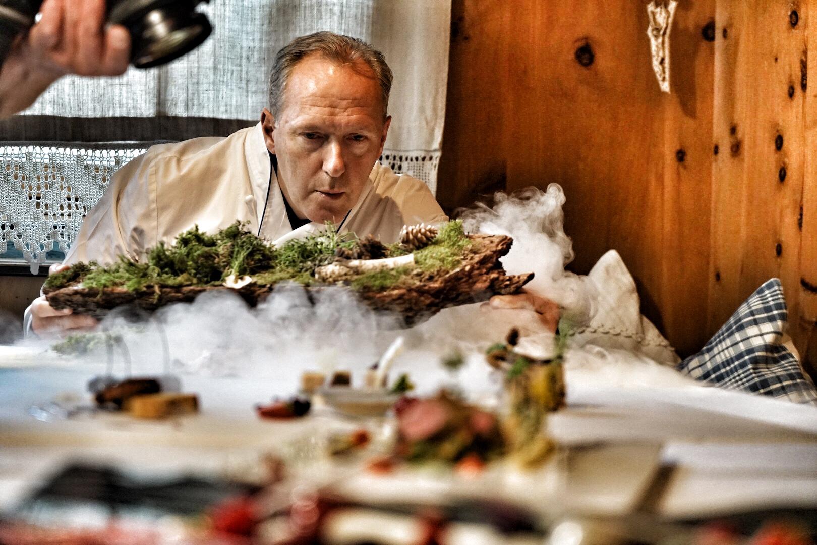 Martin Sieberer ist ein Perfektionist durch und durch. Raffinierte Küchenkreationen vom Chef de Cuisine können zu jeder Jahreszeit erwartet werden