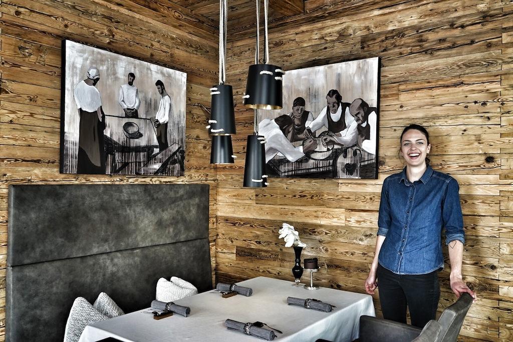 Moderne, schlichte alpine Eleganz - lässiges Ambiente mit freundlichem und kompetenten Service gibt es im 2 Hauben-Restaurant STIAR
