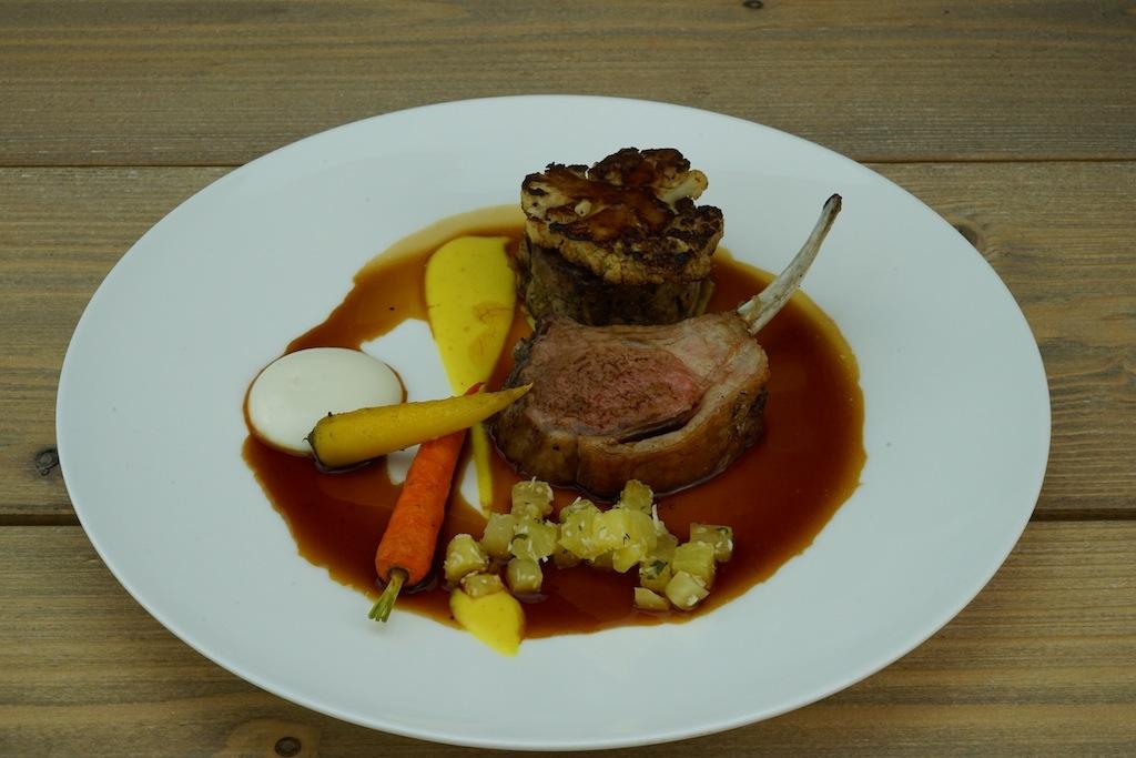 Variationen vom Lamm sind fundamentale Bestandteile auf den Speisekarten der Gourmet-Restaurants Reuben's in Kapstadt, Fanschhoek sowie Robertson