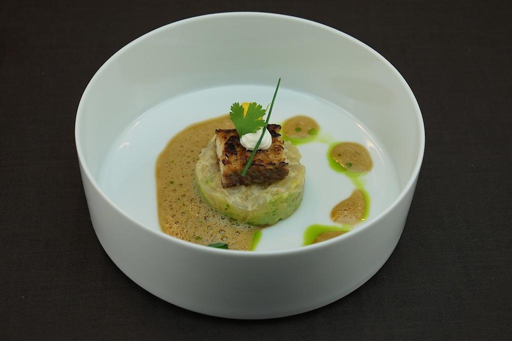Unagi, diese aufwendig zubereitete Delikatesse aus Japan kombinierte Mario Döring mit Jakobsmuschel, Avocadocreme, Korianderöl sowie Beurre blanc