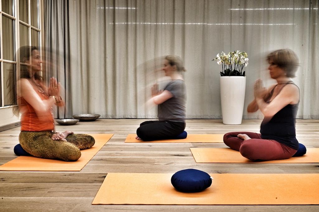 Yoga - Entspannung durch Bewegung, Körpergefühl durch Atmen, Eins sein mit seinem Ich