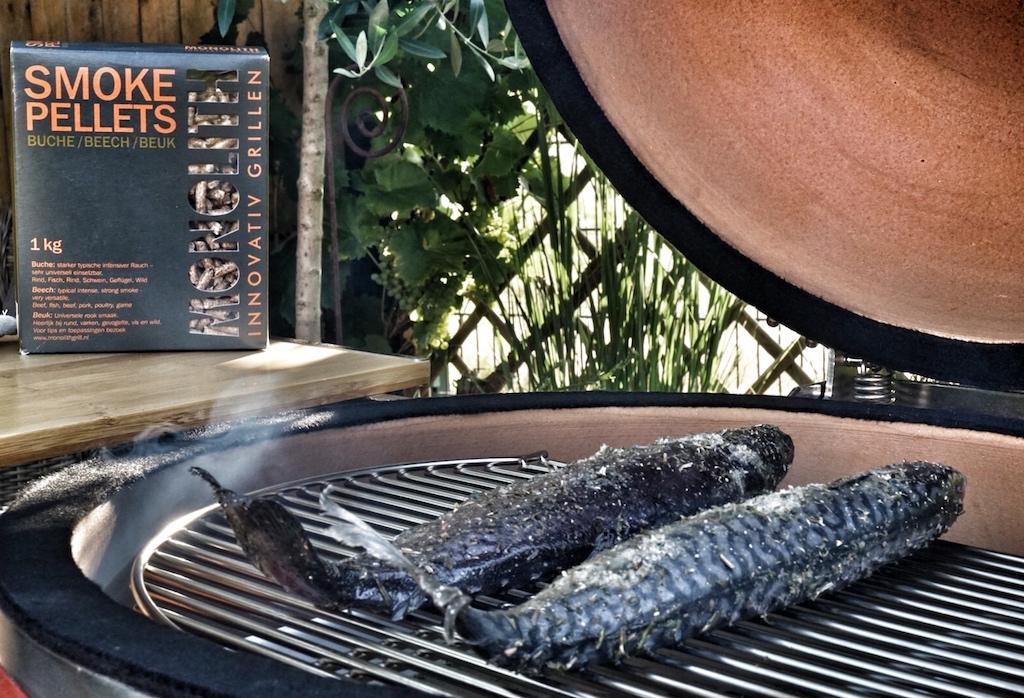 Pellets aus reinem Buchenholz eigenen sich hervorragend zum Räuchern von Fischen