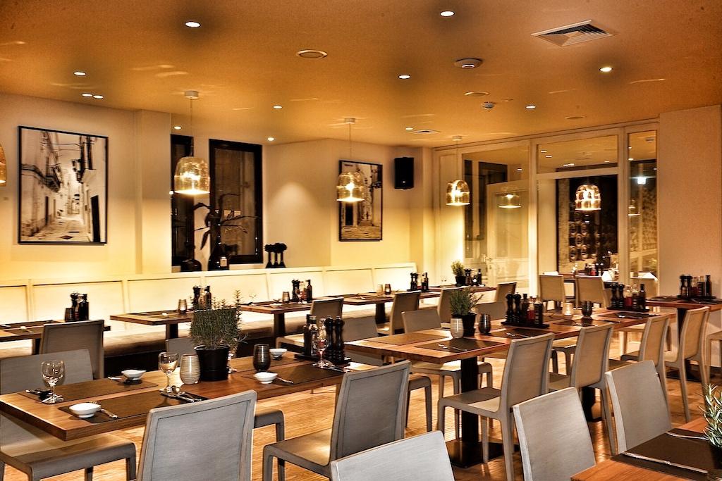 Das VINCE-Küchenteam kann in seinem italienischen Restaurant für gut 100 Personen sorgen