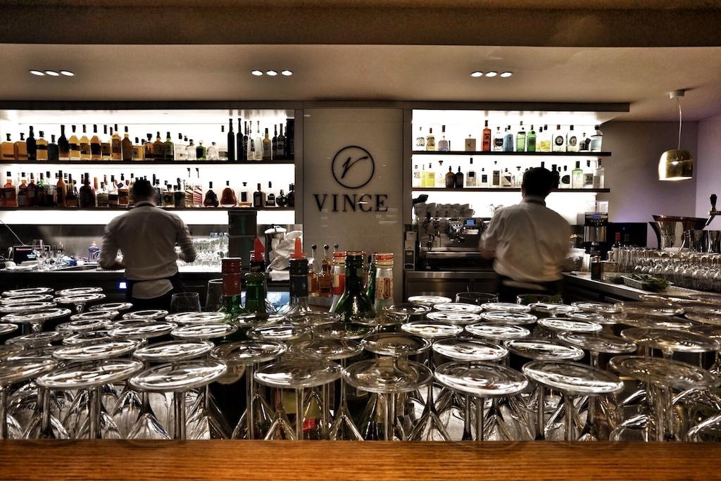 Im VINCE verschwimmt der Stil zwischen Vinothek und Restaurant