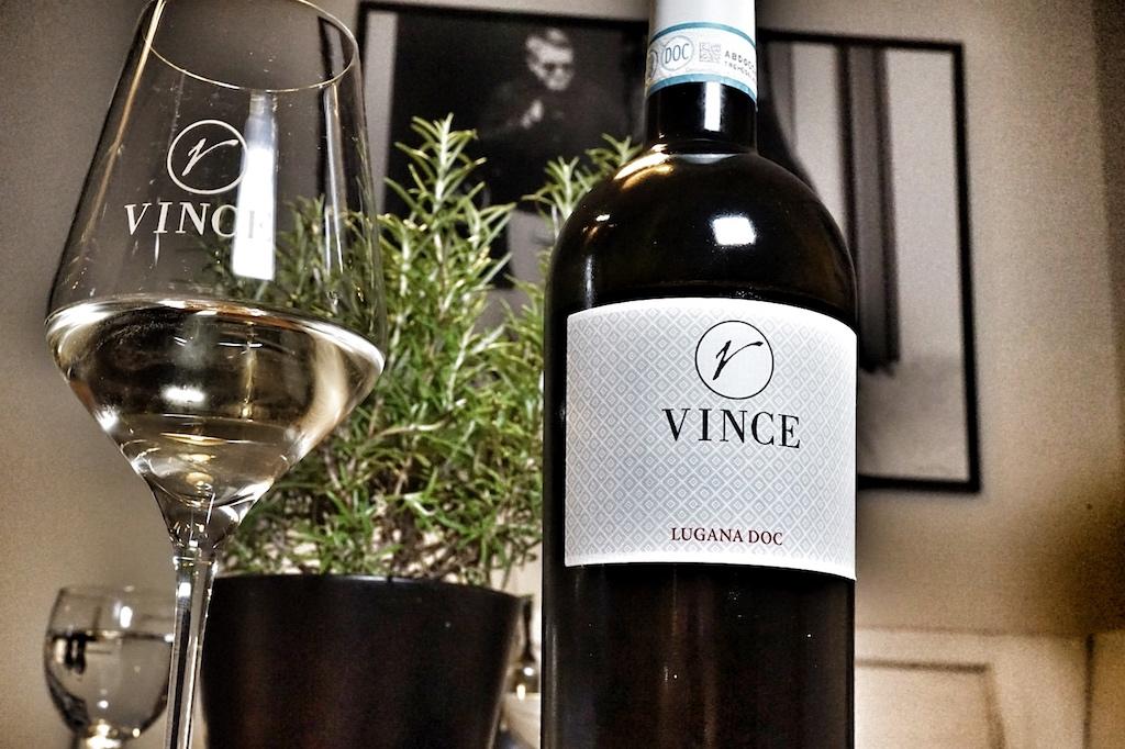 Der Hauswein trägt den Namen des sechsjährigen Sohnes Vince, nach dem auch das Restaurant benannt wurde