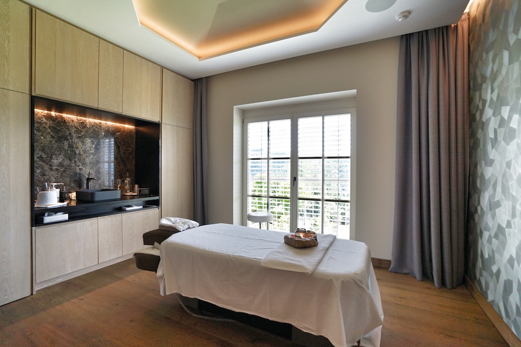 Die Treatment-Rooms stellen einen Mix aus Komfort und Funktionalität dar - Bauhauskonzept: Form folgt der Funktion