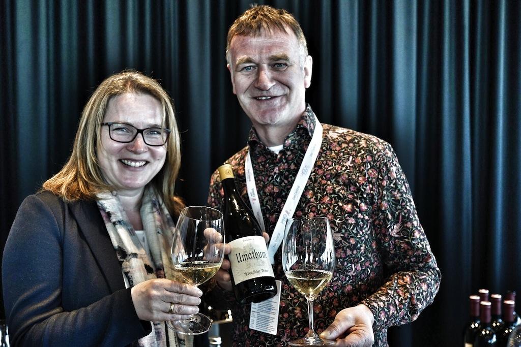 Josef Umathum (li.) zählt zu den besten Winzern im Alpenstaat. Seine Cuvée Haideboden genießt bei Weinkennern einen fast legendären Ruf