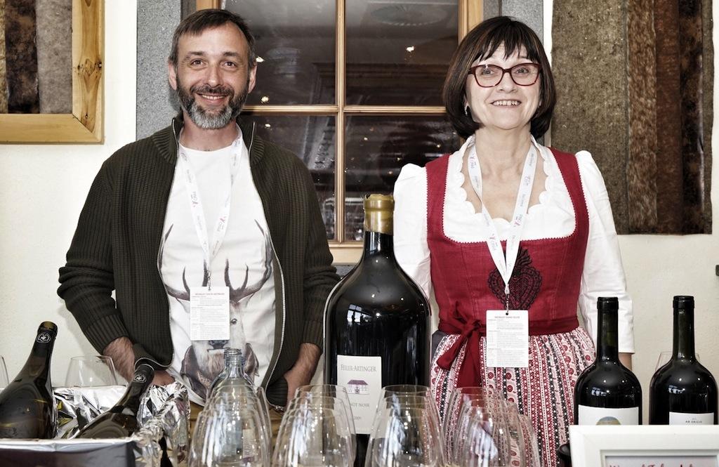 Die Mitglieder der Vereinigung Renommierte Weingüter Burgenland haben sich der Nachhaltigkeit und der Qualität verpflichtet. So auch Waltraut Reisner-Igler (re.) vom Weingut Hans Igler