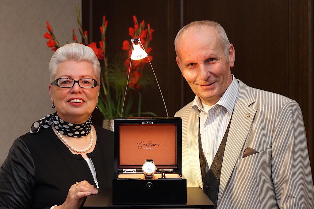 Marlene und Wilhelm Rieber präsetierten Ihre Schätze dem Publikum der Hofburg. Wilhelm Rieber stellt Unikate her, welche wahre Investitionsobjekte sind und schnell mal den Preis einer kleinen Eigentumswohnung erreichen