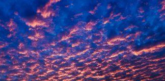 Australischer Morgenhimmel © FrontRowSociety.net, Foto: Georg Berg