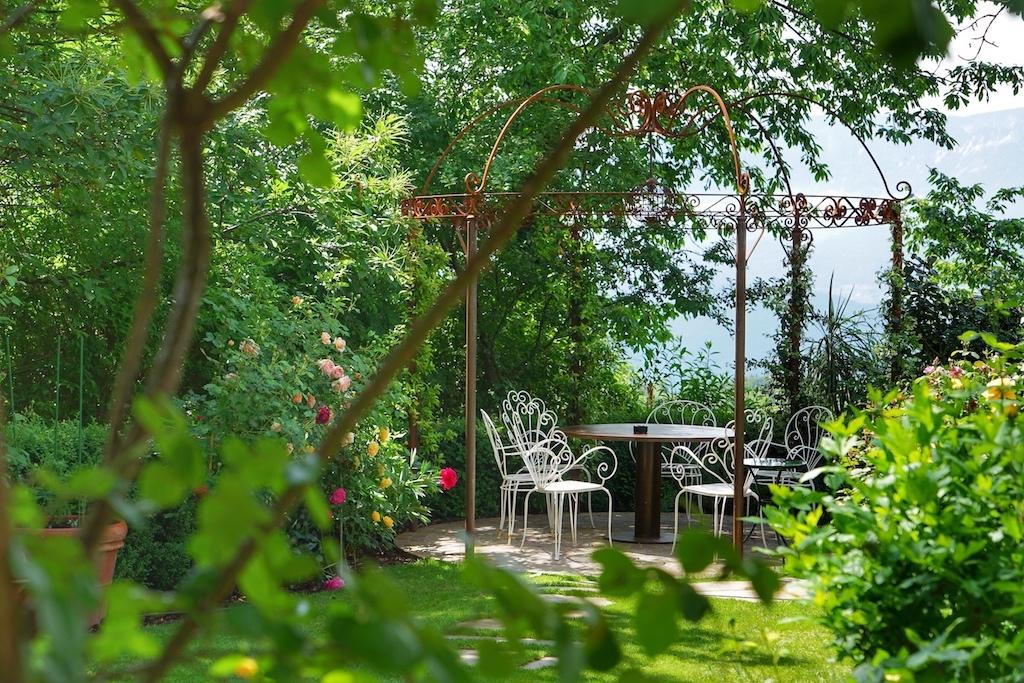 Verwunschene Winkel im feengleichen Schlossgarten