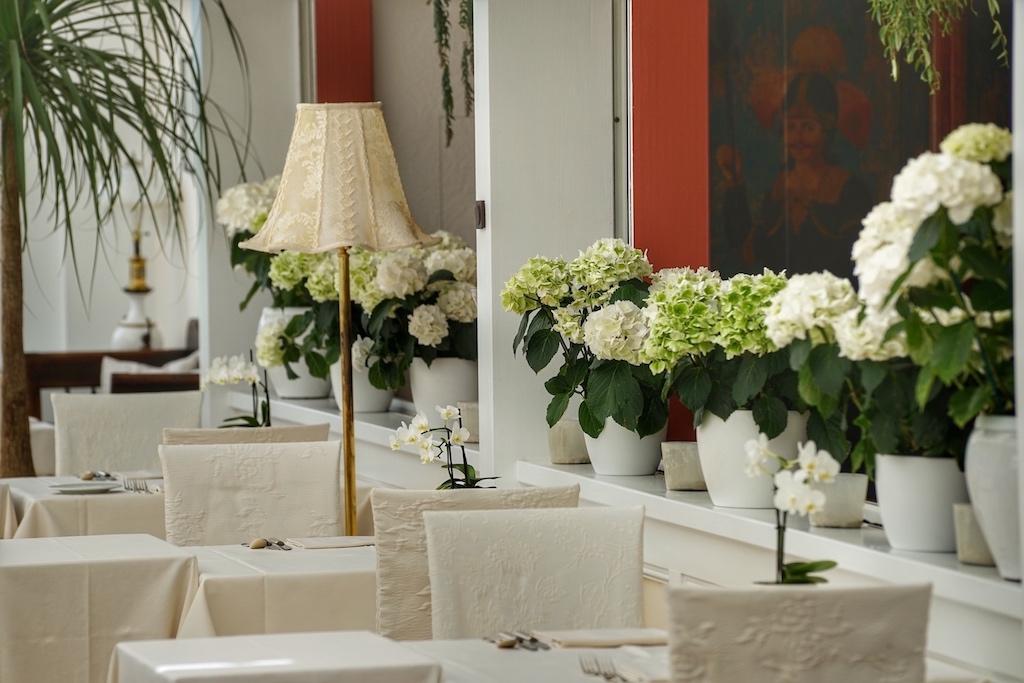 Ob Frühstück, Lunch oder Dinner - von lässig bis festlich ist jede Atmosphäre im edelweissen Restaurant ein Erlebnis