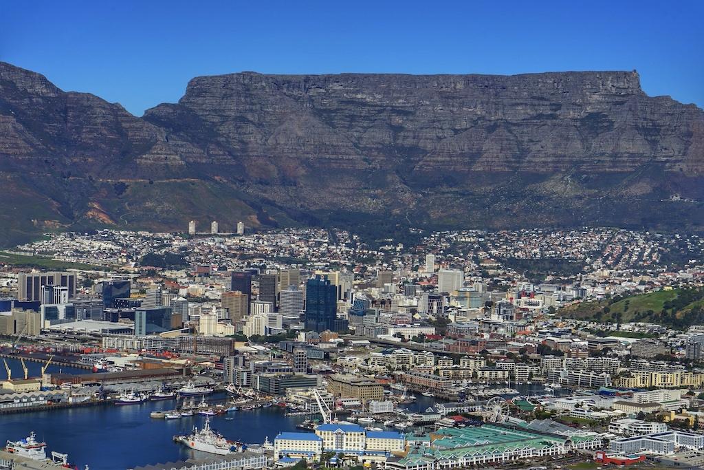 Über dem Tafelberg stehen keine Wolken, kein Nebel und es regnet nicht - wir haben es auch schon anders erleben dürfen