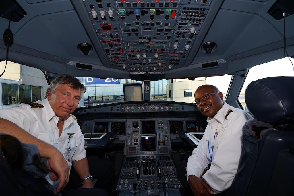 Auf unserem Flug von Frankfurt nach Johannesburg vertrauten wir heute auf die Erfahrung von Captain Jan Pienaar First Officer Munzhedzi Machaba