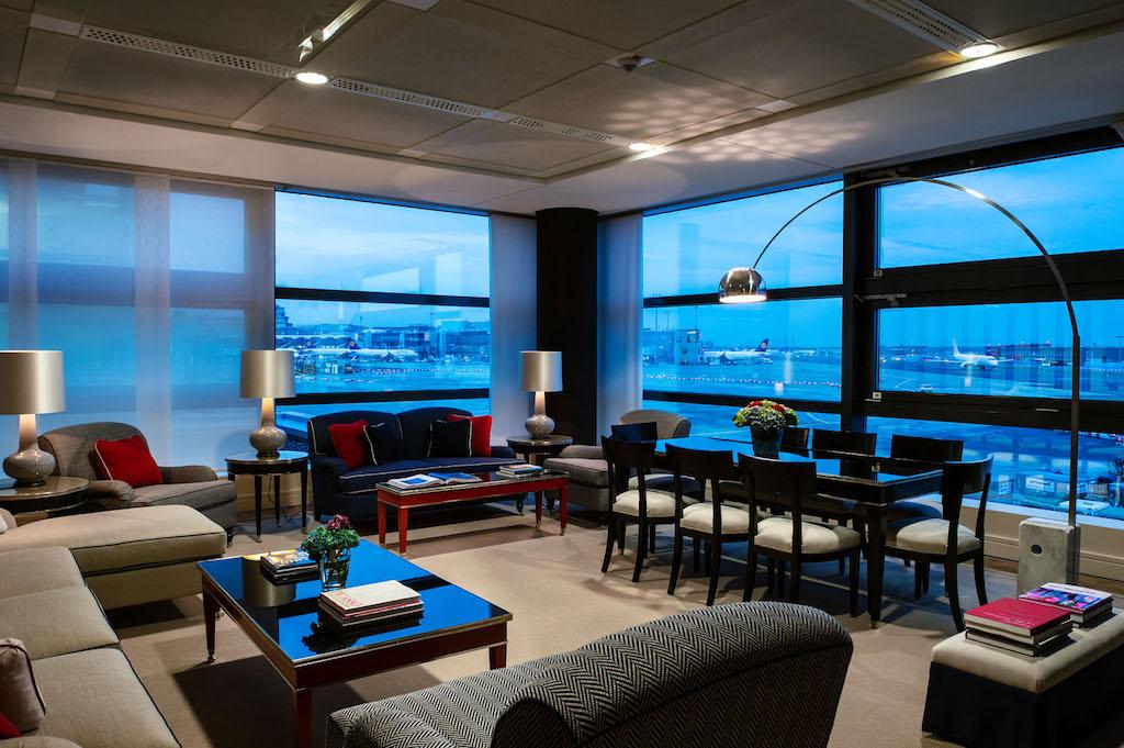 Ein Blick aus der Präsidenten Suite. Das mehrschichtige Glas hält nicht nur die Geräusche draußen, es ist auch schusssicher