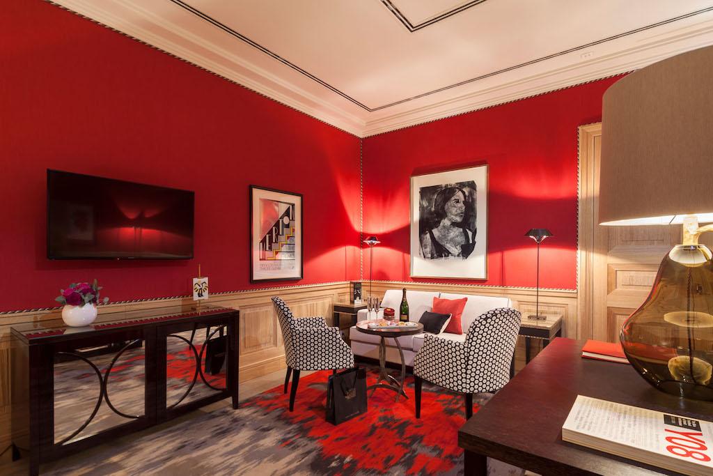 Die Red Royal Suite besticht durch sehr kräftige Rottöne