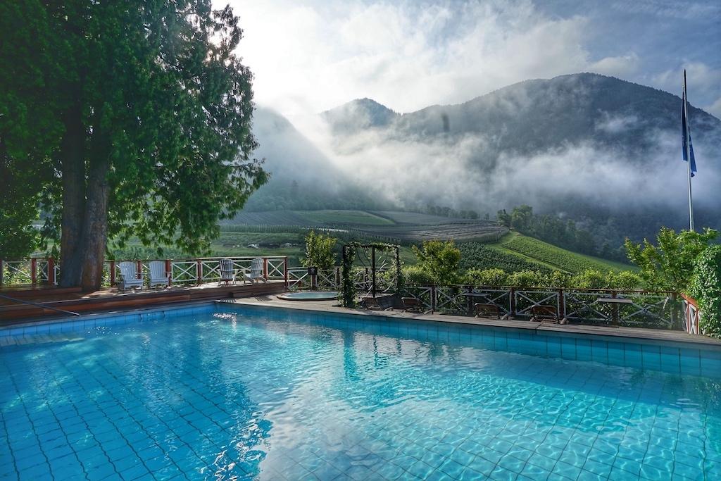 Erwachen: Das 5 Sterne Hotel Castel Fragsburg besitzt zu jeder Tageszeit seinen eigenen Zauber