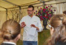 Thomas Martin war das erste Mal ein Protagonist auf dem Rheingau Gourmet & Wein Festival. Wer Thomas Martin bei einem Heimspiel erleben möchte, speist im 2 Sterne Jacobs Restaurant im Hamburger Luxushotel Louis C. Jacob