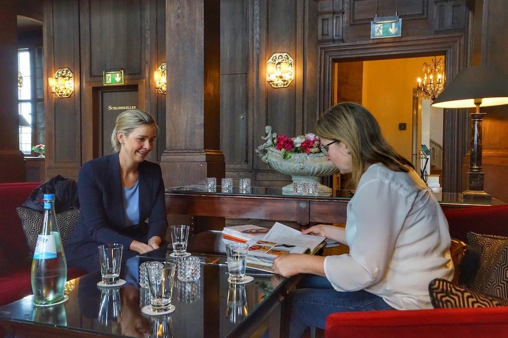 Einen Dank auch Marketingleiterin Anika Pohlmann (li.) für die liebevolle Begleitung während unserer Reportagentage vor Ort