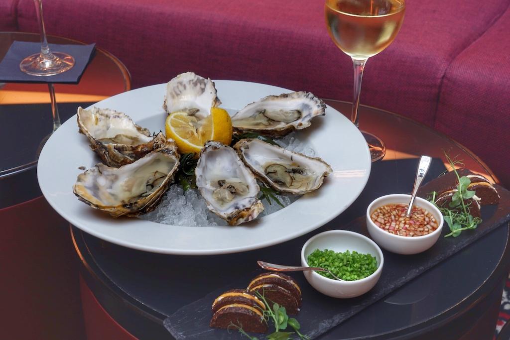 Mit einem 2016er Chablis 1er Cru schmecken die Austern gleich doppelt so gut