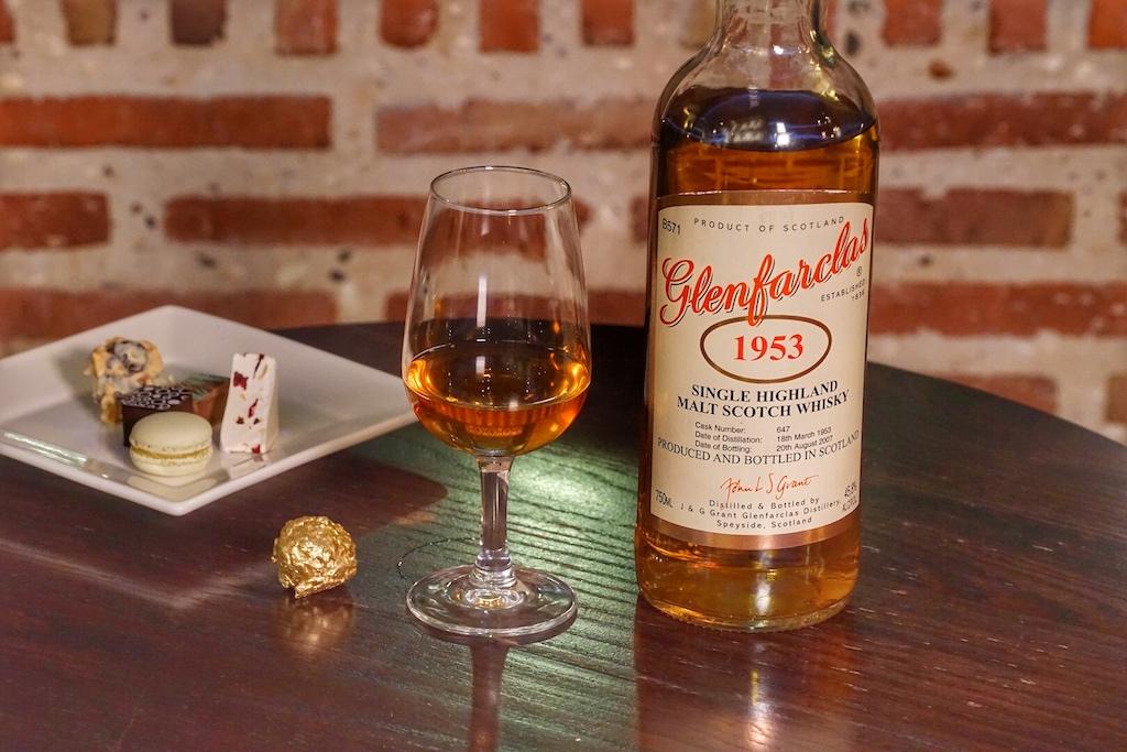 Auch Whisky-Raritäten, von welchen es nur noch wenige Flaschen auf der Welt gibt, sind in der Bascule Bar zu finden