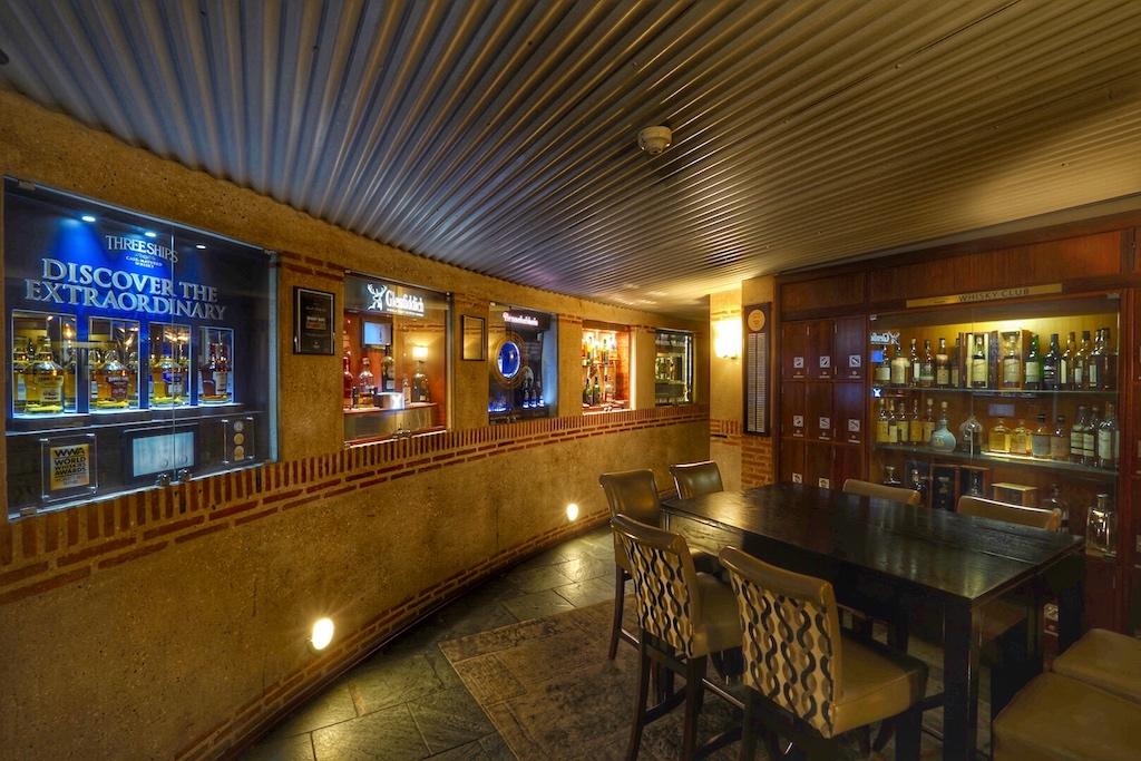 .. im privaten Rahmen kann man an einem Whisky-Tasting teilnehmen