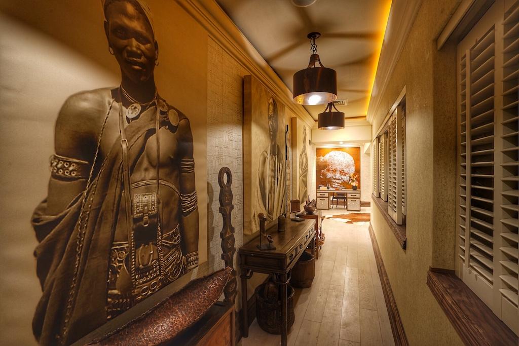 Die Nelson Mandela Suite im Luxusresort Saxon Hotel, Villas & Spa versprüht wahren Luxus, gepaart mit afrikanischen Ambiente