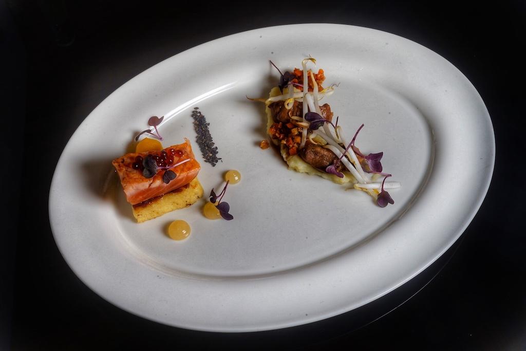 Das Team um Sous ChefMatthias Carben servierte auf einem French Toast gebeizten Lachs, roten Zwiebeln, Apfel und Basalmico - eine herrliche Kombination