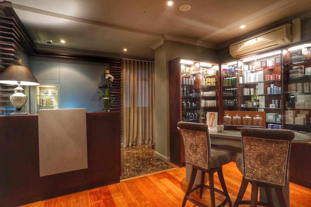 Schon beim Betreten des Spas wird der luxusgewöhnte Gast in einer feinen Umgebung begrüßt