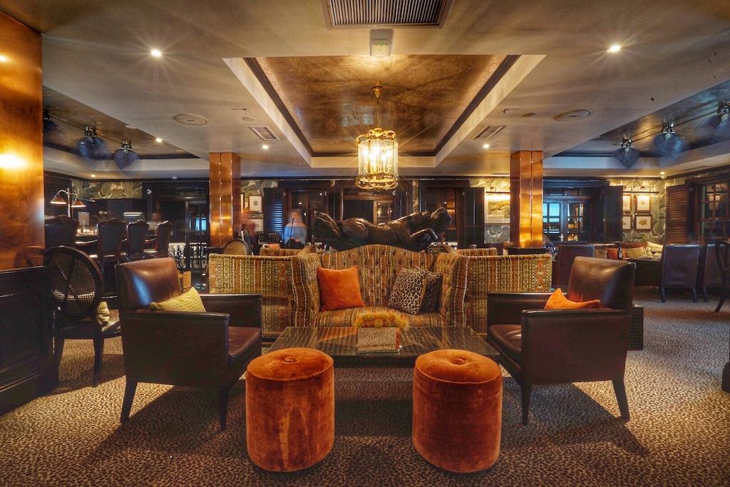 Live-Musik in der Leopard-Bar von Montag bis Samstag - allabendlich - zieht auch außerhäusige Gäste an